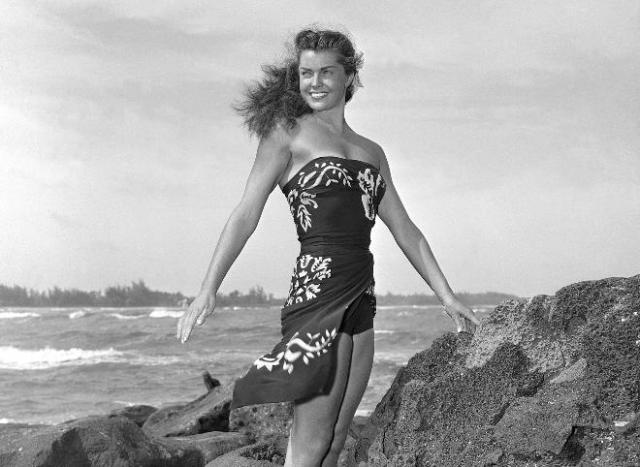 "Esther Williams en 1950 durante el rodaje de ""Pagan Love Song"""