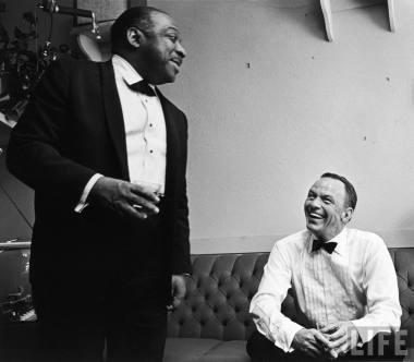 Frank Sinatra y Count Basie en 1975
