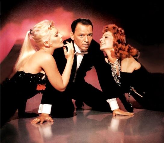 """Kim Novak, Frank Sinatra y Rita Hayworth (fotografía promocional de la película """"Pal Joey"""")"""