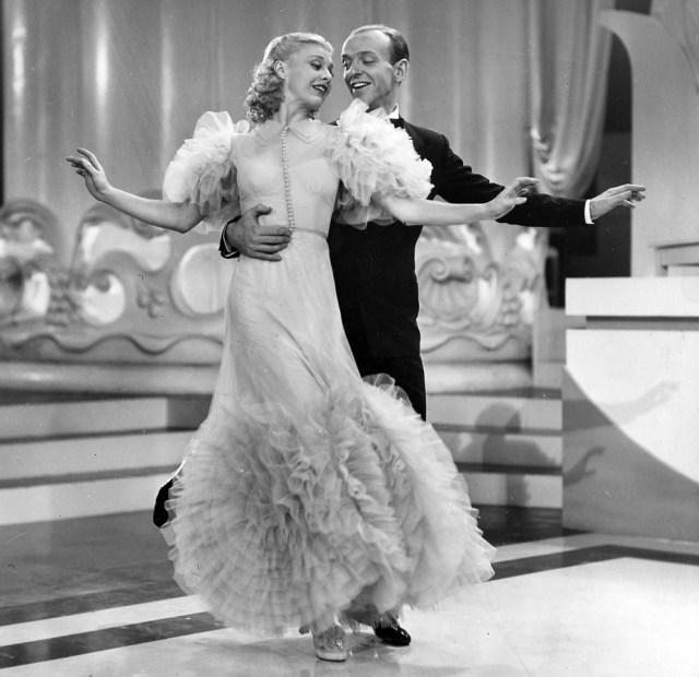 """Fotograma de """"The Gay Divorcee"""", película en la que Fred Astaire y Ginger Rogers interpretan """"Night and Day"""""""