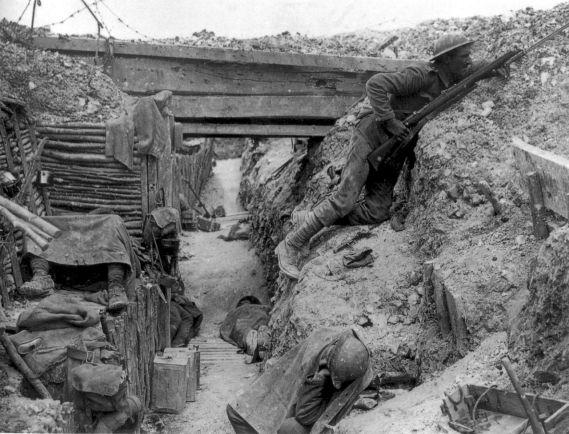 Batalla del Somme: hombres del 11 Batallón del Regimiento de Cheshire en las cercanías de Ovillers-la-Boisselle (julio de 1916)