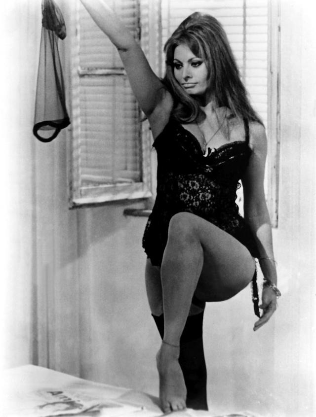 """Sophia Loren en """"Ayer, hoy y mañana"""" (1964)"""