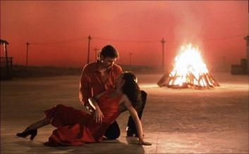 """Antonio Gades y Cristina Horyos en """"El amor brujo""""."""