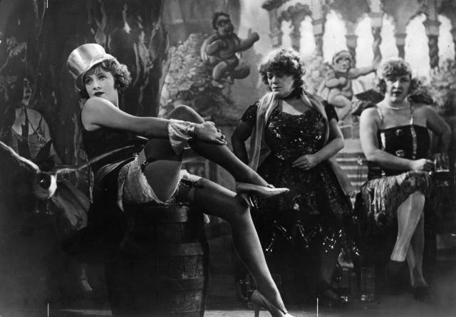"""Marlene Dietrich en un fotograma de """"El ángel azul""""."""