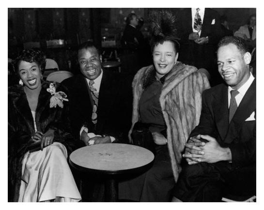Sarah Vaughan en Los Ángeles (1950) con Billie Holiday y Louis Armstrong. Fotografía de Joseph Schwartz.