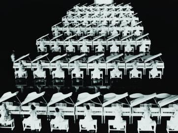 """Fotograma de """"Gold Diggers of 1935""""."""