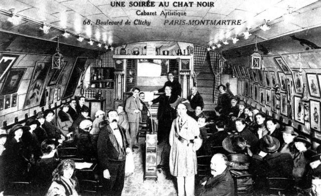 Interior de Le Chat Noir del Boulevard de Clichy.