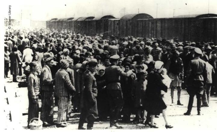 Llegada de prisioneros a Auschwitz.