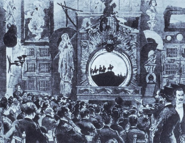 El primer piso de Le Chat Noir de la calle Victor Massé, donde se proyectaba el famoso teatro de sombras. Dibujo de Caran d'Ache (1889).
