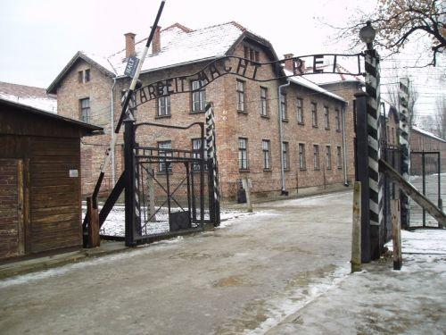 Entrada al campo de Auschwitz I (2005)