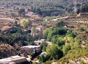 Restos de antiguas fábricas en El Molinar (Alcoi), donde se instalaron las primeras máquinas de cardar e hilar.