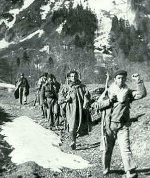 Maquis atravesando los Pirineos (1948)