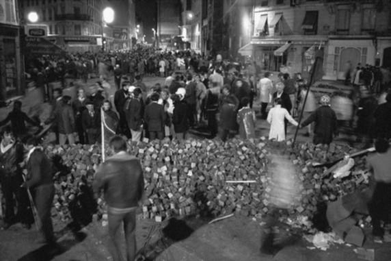 El Barrio Latino la noche 10 de mayo.