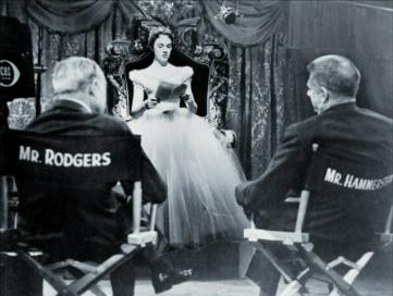 """Julie Andrews con Rodgers y Hammerstein en las pruebas de """"Cinderella""""."""