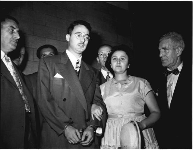 Julius y Ethel Rosenberg durante su juicio en 1951. / AP