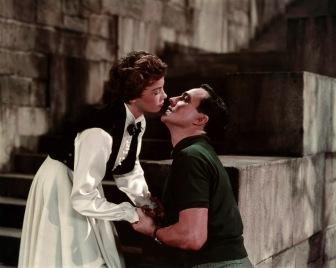 """Leslie Caron y Gene Kelly en """"Un americano en París""""."""