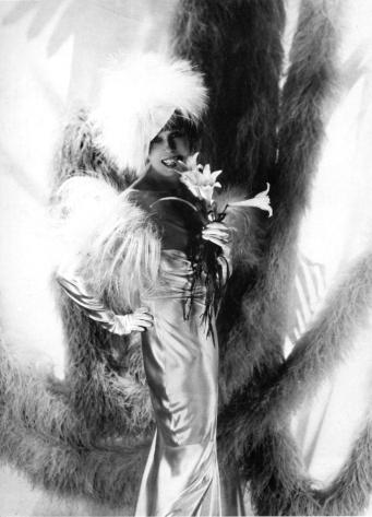 Mistinguett en 1934. Fotografía: Horst P. Horst.