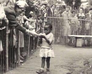 """Una de las últimas """"exposiciones etnográficas"""". Bruselas (Bélgica), 1958."""