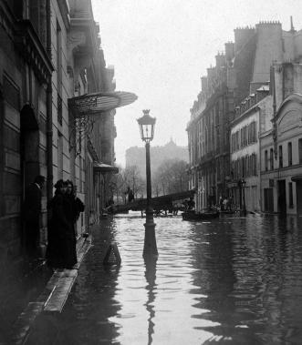 Calle Jean Goujon. / Roger Viollet/ BHVP.