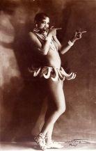 """Joséphine Baker en la revista """"Un vent de folie"""" (1925)."""