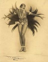 """Joséphine Baker en """"La revue des revues"""" (1927)."""