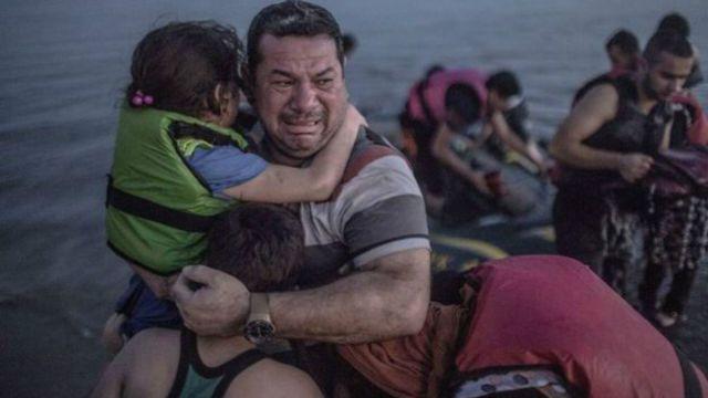Refugiados llegan a la isla de Kos