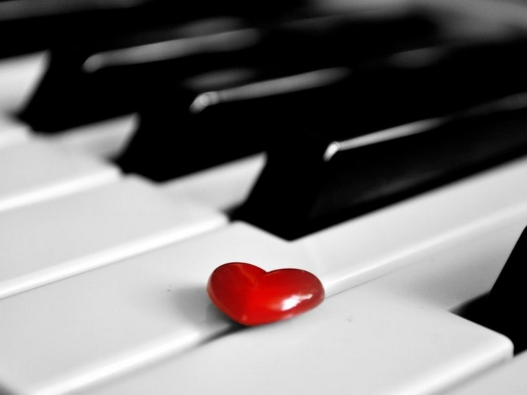 red-heart-on-piano-beautiful-love-wallpaper-music-images-piano-wallpaper