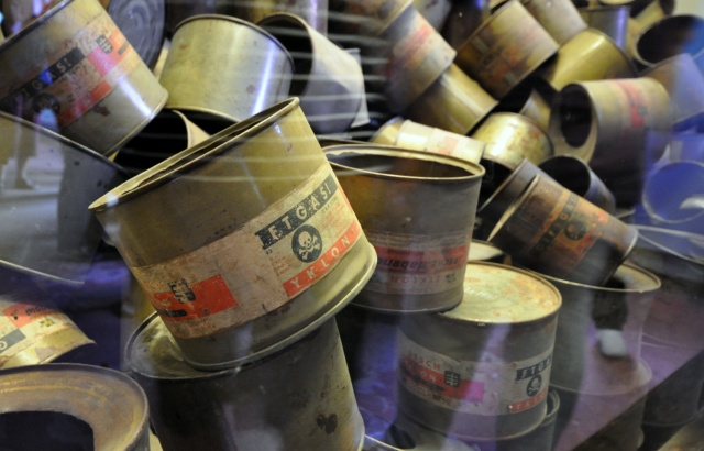 used-zyklon-b-canisters-in-auschwitz-museum