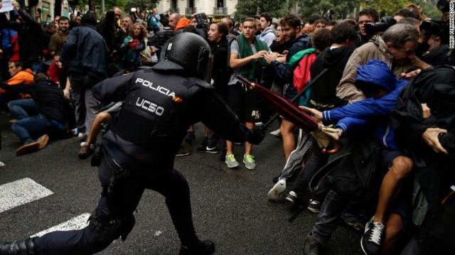 Policías por todas partes