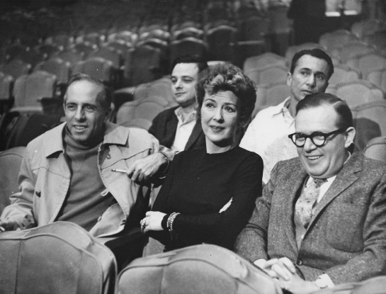 Gypsy Rose Lee con Jerome Robbins, Stephen Sondheim, Arthur Laurents y Jule Styne en una audición de Gypsy